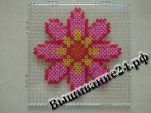 Розовый цветок из термомозаики